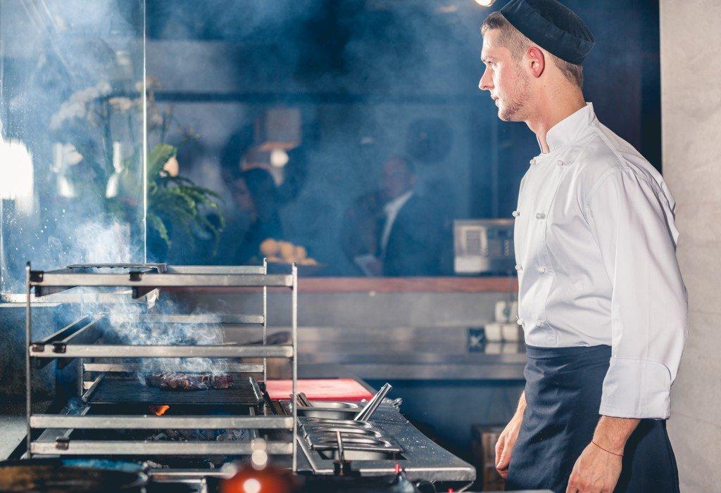 pomocný kuchař nebo kuchařka - práce Olomouc